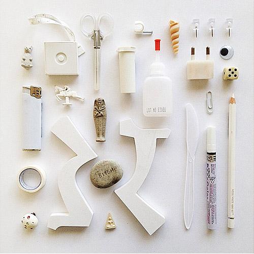 אברהם קורנפלד - חפצים מרחבי הסטודיו