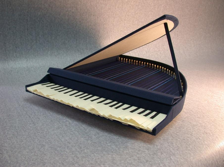 Blue piano_905