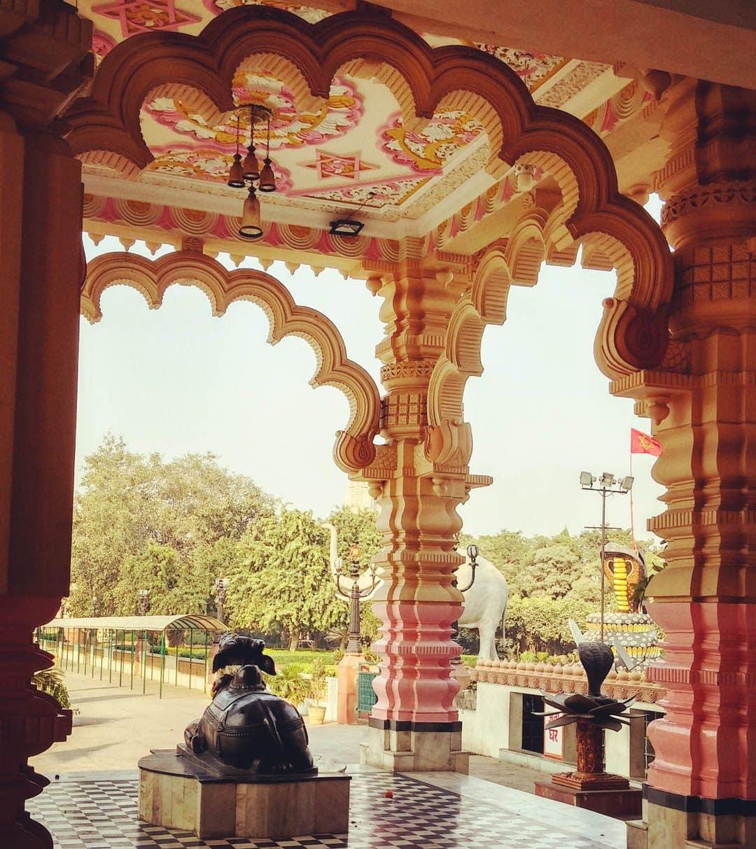 12_chhatarpur-mandir