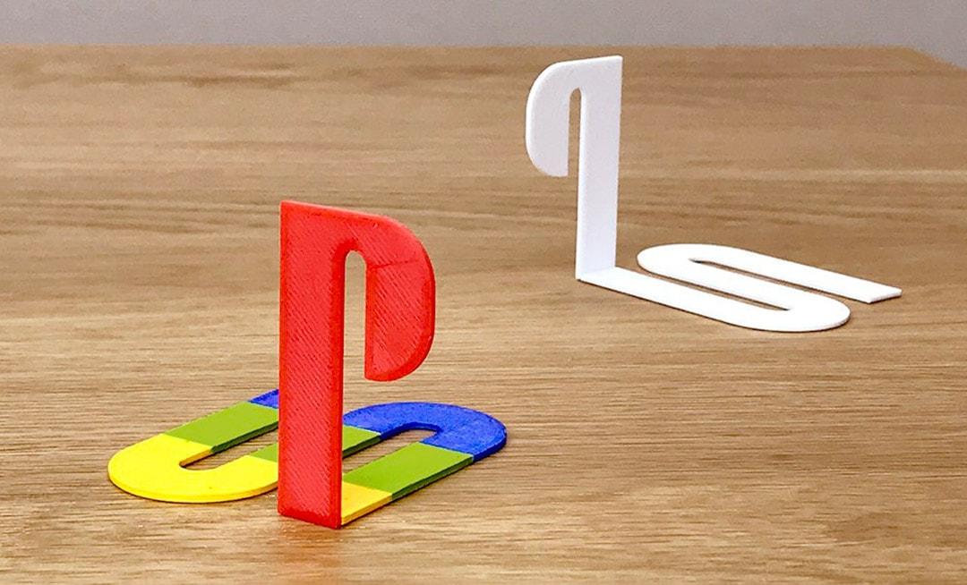 לוגו בתלת